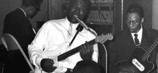 Howlin' Wolf – I Asked For Water (She Gave Me Gasoline)